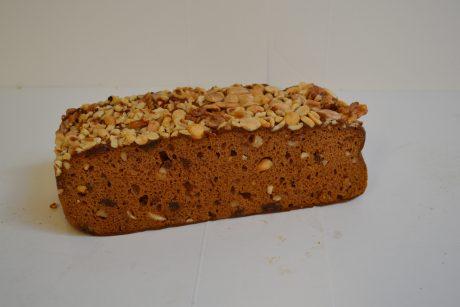 Ontbijtkoek met noten en rozijnen €3,25