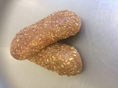 Zuurdesembrood met pitten 3.50